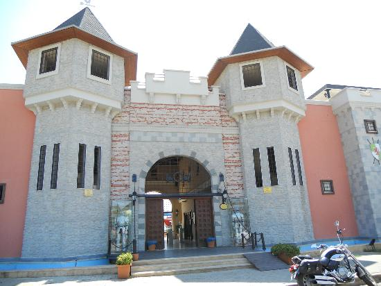 Gumuldur, Tyrkiet: ingresso