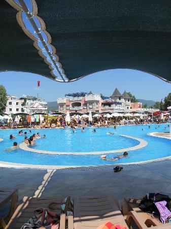 Yali Castle Aquapark : piscina