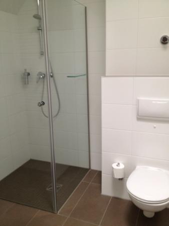fjord hotel berlin : il bagno
