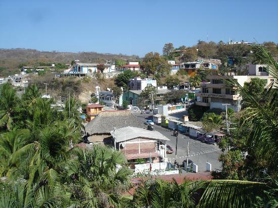 Monte Cristo Bungalows: Vue du haut de l'hôtel.