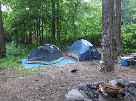 Cedar Rapids Inn : Our tents
