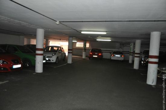 Apartamentos Alta: second floor of the parking