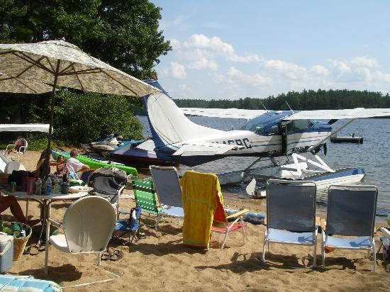 Lakes Region Seaplane Services : Tours from your beach