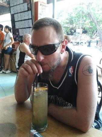 Stadium Cafe Kuta: Long Island Iced Tea..