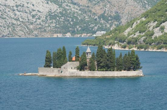 Kotor Bay Tours: Chiesa nel Mare