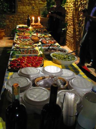 Villa Le Torri: Welcome feast