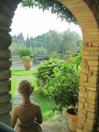 Villa Le Torri: View of garden