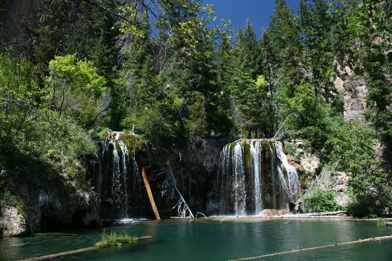 Hanging Lake Trail: Hanging Lake