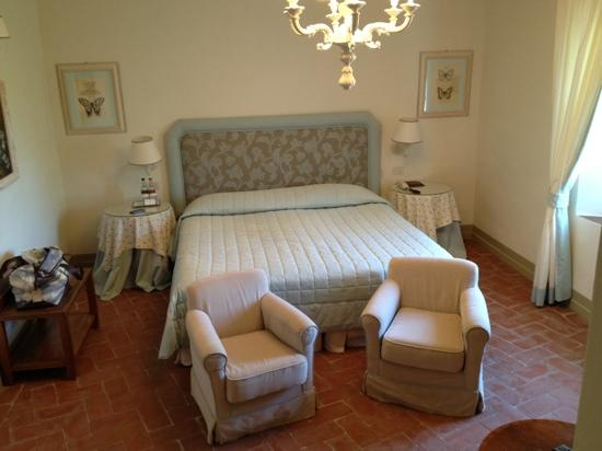 Borgo San Frediano Apartments : bedroom of the suite