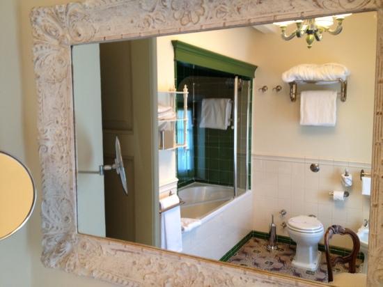Borgo San Frediano Apartments: bathroom