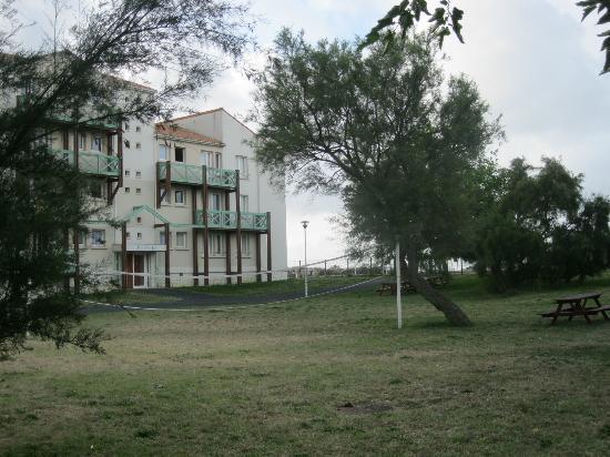 Residence Club La Fayette : le terrain de volley