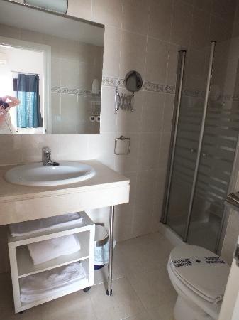 Hotel un Patio en Santa Cruz: salle de bain