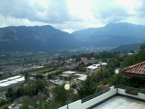 Hotel Ristorante Scarano : panorama su Levico