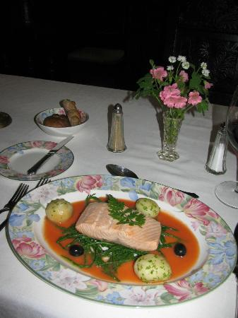 Worthenbury Manor B&B: Poached Salmon