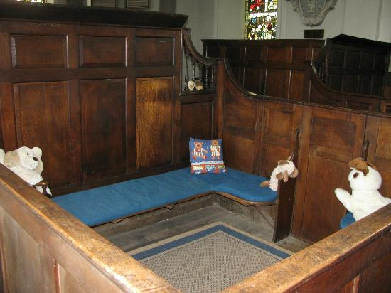 Worthenbury Manor B&B: Wooden Box Pews in Village Chruch