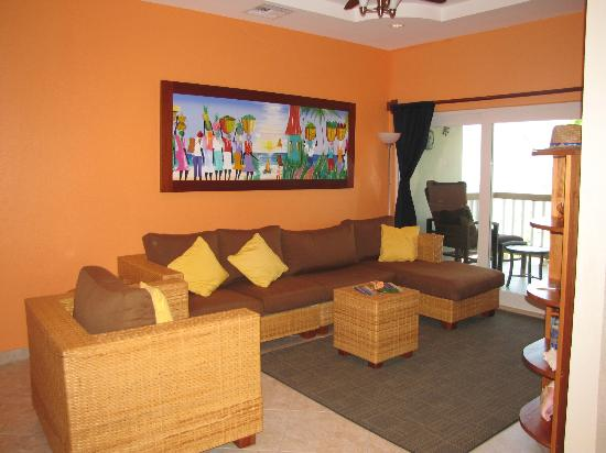 Grand Caribe Belize Resort and Condominiums: Main living room