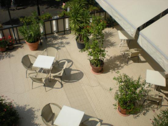 Hotel Miramare et de la Ville : particolare della veranda (vista dal balcone della camera)