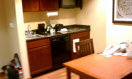 Homewood Suites by Hilton Agoura Hills: kitchen/dining area
