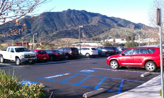 Homewood Suites by Hilton Agoura Hills: The view out front