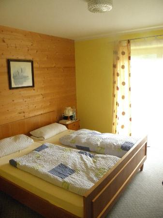 Pension Englhof: room clean and comfortable