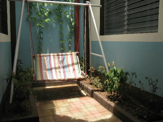 Harvest House Nicaragua: Two person swing in another terrace.