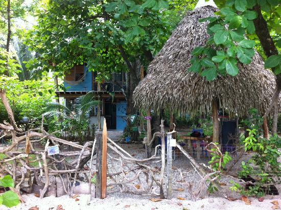 Casitas LazDivaz: Accès sur la plage