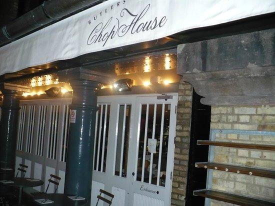 The Butlers Wharf Chop House : The Chop House wharf entrance