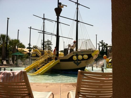 Sheraton Broadway Plantation Resort Villas: pirate ship