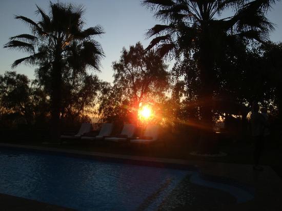 Hotel Heinitzburg: Sonnenuntergang am Pool