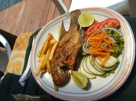 Hotel Backpackers & Restaurant: Mojarra Frita
