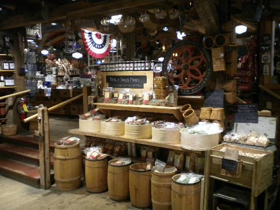 Vermont Country Store : Interior 2