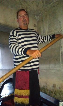 Gondola Getaway: our gondoliere