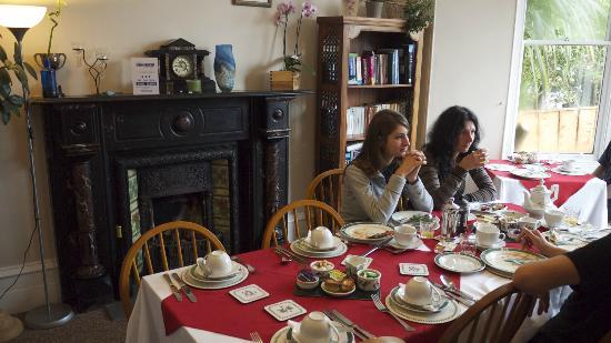 The Donnington Guesthouse: Breakfast room