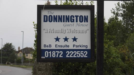 The Donnington Guesthouse: Signage