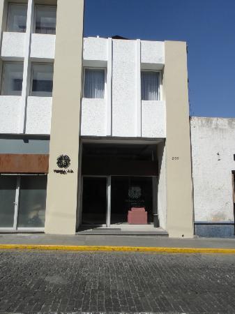 Tierra Viva Arequipa Plaza Hotel: Entrance Of Hotel