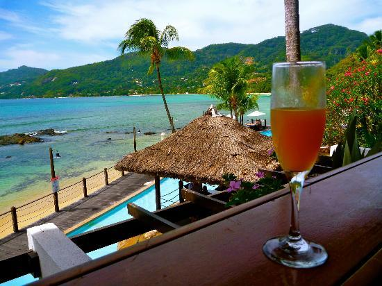 Le Meridien Fisherman's Cove: view from reception and welcome drink