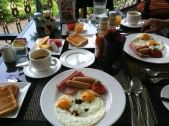 シェイク イスタナ ホテル, 朝食