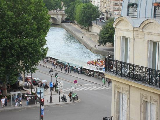 Hotel Albe Saint Michel: ちょこっとだけどセーヌ川がみえて嬉しい。