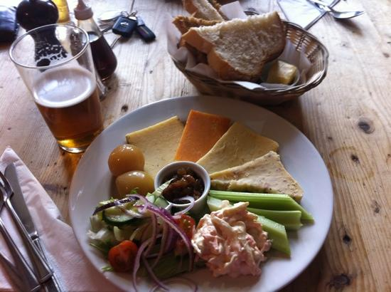 Bishops Castle, UK: ploughmans lunch
