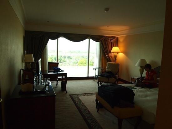 Grand Hyatt Dubai: room