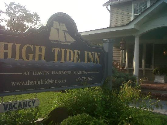Boat House: High Tide Inn