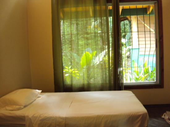 Paspartu CR Beach Hotel : the sheets and towels are changed every three days.