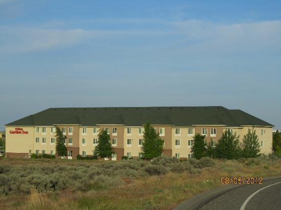 Hilton Garden Inn Tri-Cities/Kennewick : Hotel from distant location