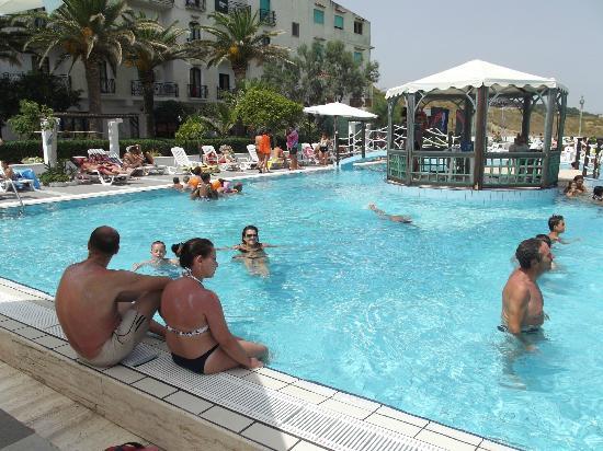 Hotel Club Village Costa Elisabeth : Piscina