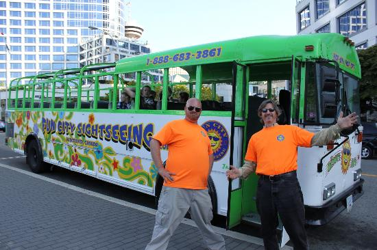 Fun City Sightseeing Hop On Hop Off: Our great tour guide Cody (on left) and our driver