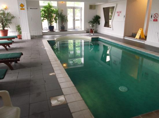The Manor Hotel : Pool,Spa & Gym