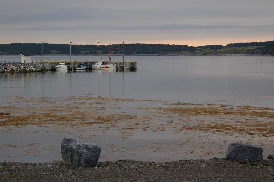 Gros Morne Cabins: Sun setting