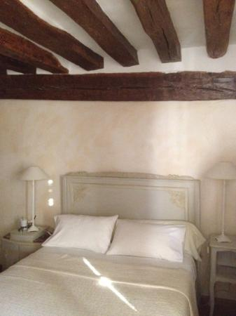 Le Plessis-Luzarches, Francia: camera romantica