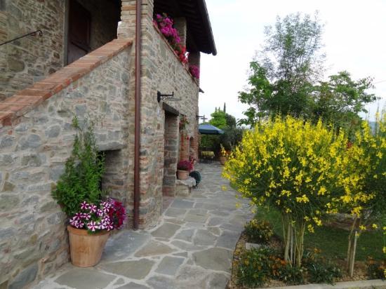 La Mucchia Casa Vacanza: Front Entrance