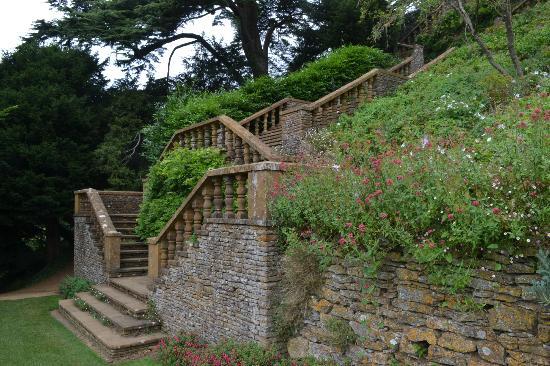 Upton House: Steps
